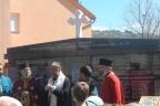 ГАЦКО, 16. АПРИЛА /СРНА/ - Освештан централни споменик српским жртвама са подручја општине Коњиц, страдалим у посљедњем одбрамбено-отаџбинском рату а парасос у  присуству великог броја чланова породица погинулих и гостију, служио Његово преосвештенство владика захумско-херцеговачки и приморски Григорије
