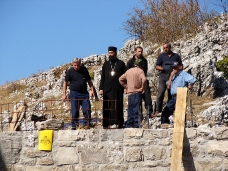 5 Освећење темеља цркве Часног Крста у селу Дражљеву