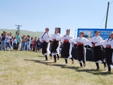 50 Освећење храма Свете Тројице у Југовићима