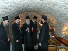75 Манастир Тврдош 12. маја 2012