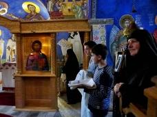4 Св. Литургија у Петропавловом манастиру