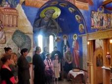 6 Св. Литургија у Петропавловом манастиру