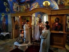 8 Св. Литургија у Петропавловом манастиру