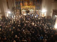 8 Поноћна Св. Литургија на Божић у требињском Саборном храму