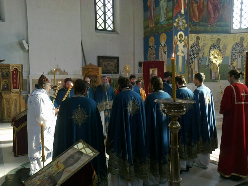 2 Св. Арх. Литугија на Велики Четвртак у Требињу