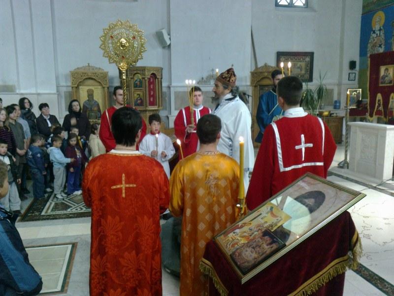 7 Св. Арх. Литугија на Велики Четвртак у Требињу