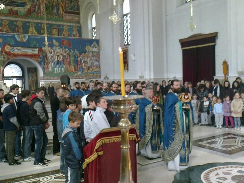 10 Св. Арх. Литугија на Велики Четвртак у Требињу