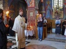 5 Епископ Максим служио Св. Литургију у Манастиру Тврдош
