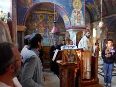6 Епископ Максим служио Св. Литургију у Манастиру Тврдош
