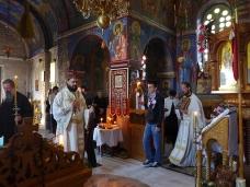8 Епископ Максим служио Св. Литургију у Манастиру Тврдош