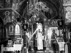 12 Епископ Максим служио Св. Литургију у Манастиру Тврдош