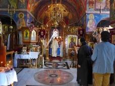 14 Епископ Максим служио Св. Литургију у Манастиру Тврдош