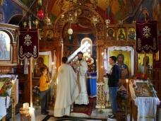 18 Епископ Максим служио Св. Литургију у Манастиру Тврдош
