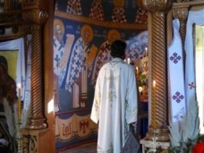 19 Епископ Максим служио Св. Литургију у Манастиру Тврдош