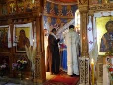 27 Епископ Максим служио Св. Литургију у Манастиру Тврдош