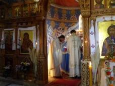 30 Епископ Максим служио Св. Литургију у Манастиру Тврдош