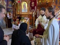 32 Епископ Максим служио Св. Литургију у Манастиру Тврдош