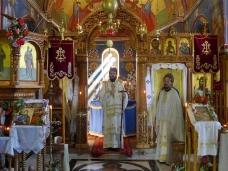 39 Епископ Максим служио Св. Литургију у Манастиру Тврдош