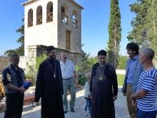 44 Епископ Максим служио Св. Литургију у Манастиру Тврдош