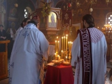 4 Света Литургија у Манастиру Тврдош на дан Великих или Васкршњих задушница