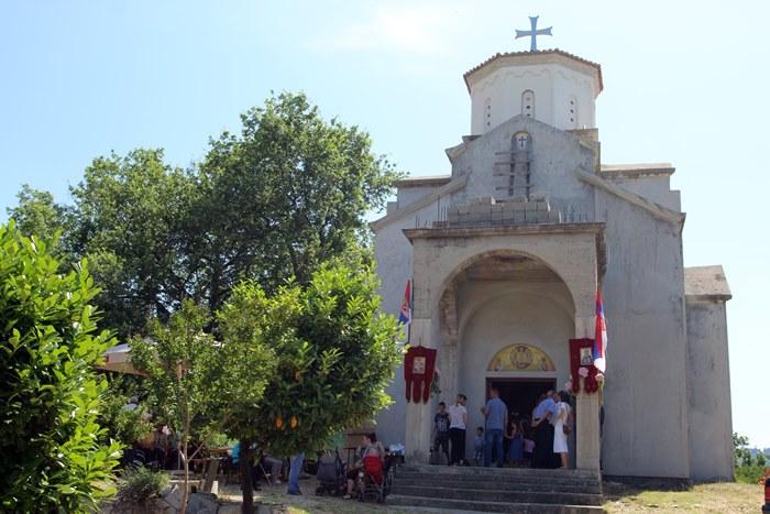 crkva svi sveti zasad (1)